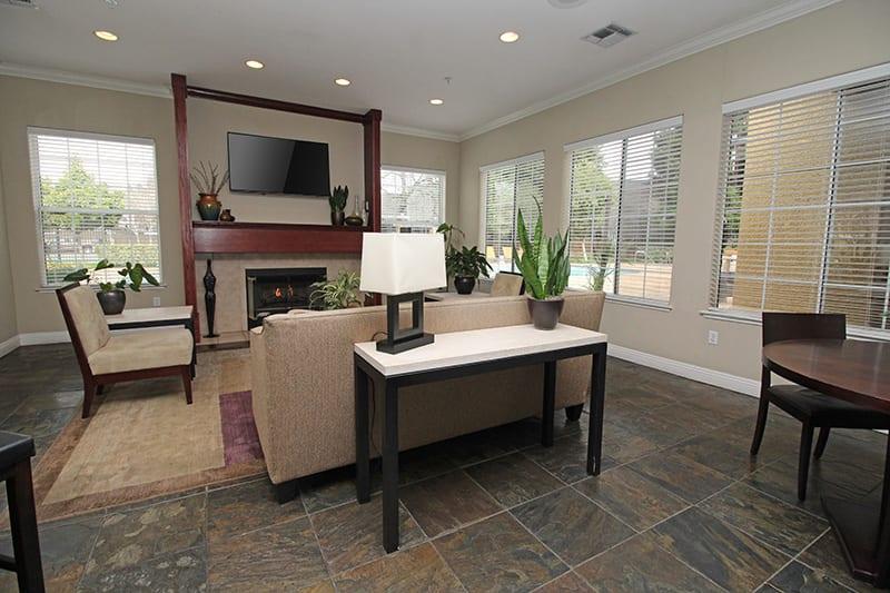 Clubhouse l Oak Brook Apartments in Rancho Cordova CA