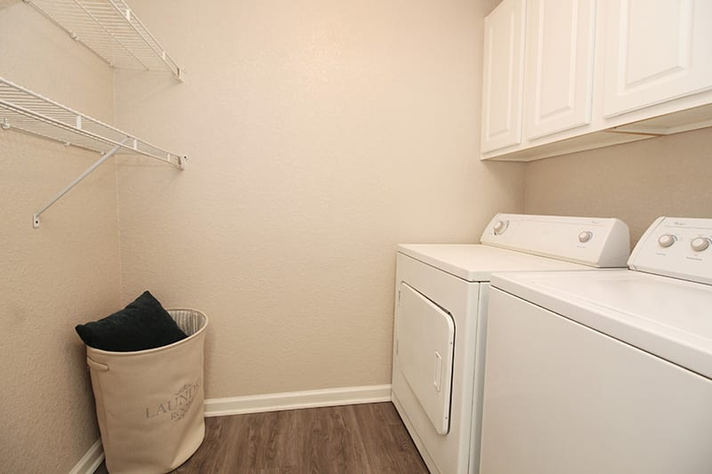 Washer and Dryer l Oak Brook Apartments in Rancho Cordova CA