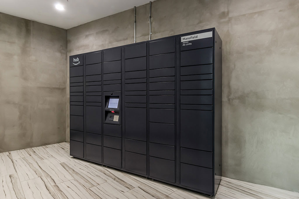 24 Hour Package Lockers at The Mansfield at Miracle Mile, Los Angeles, CA