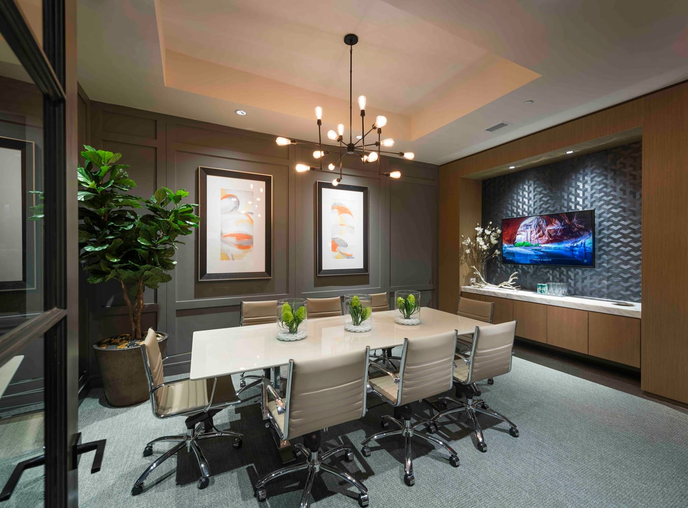 Private Conference and Dining Room at Windsor Lantana Hills, Texas, 78735