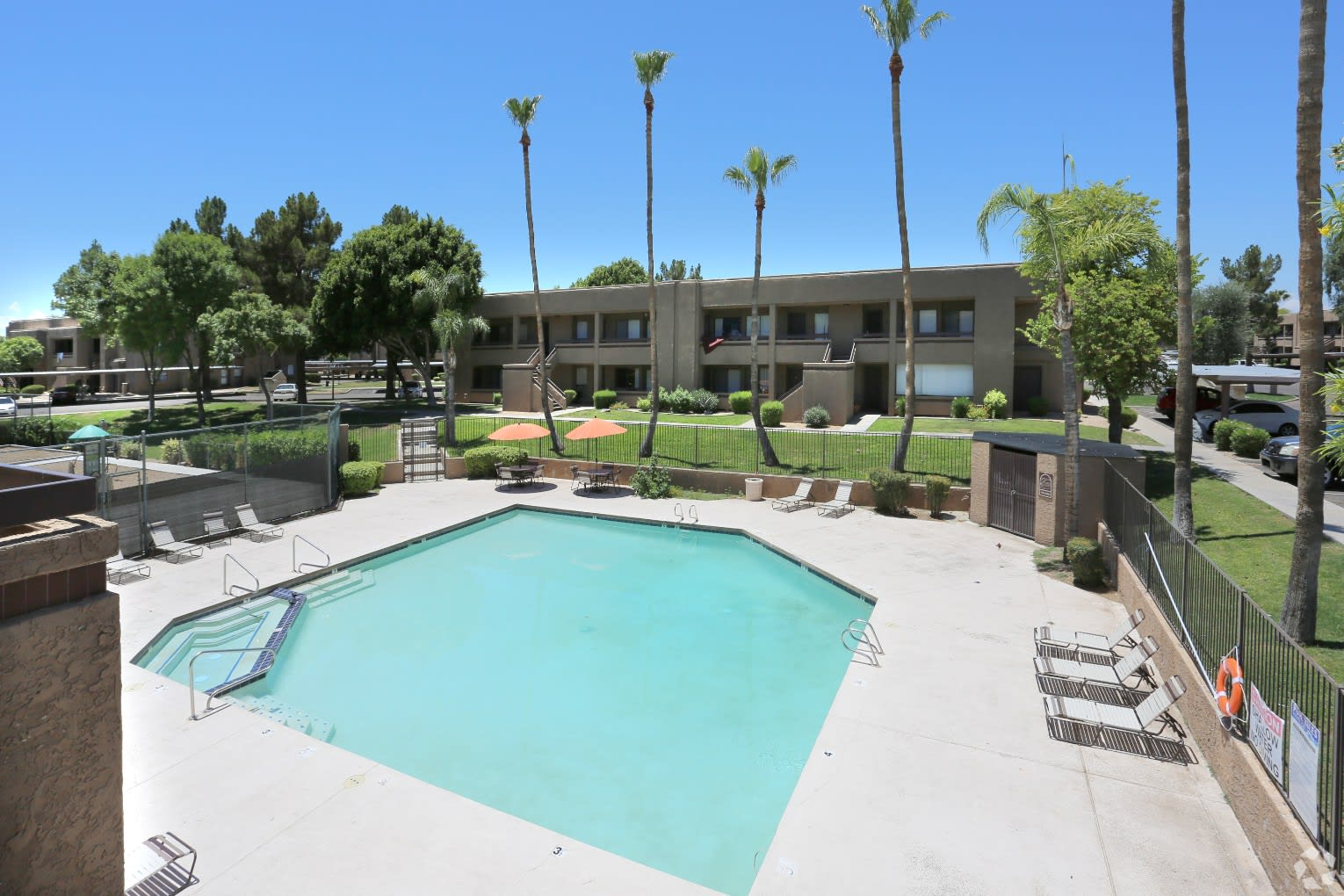Pool and Pool Patio at Avalon Hills Apartments in Phoenix AZ