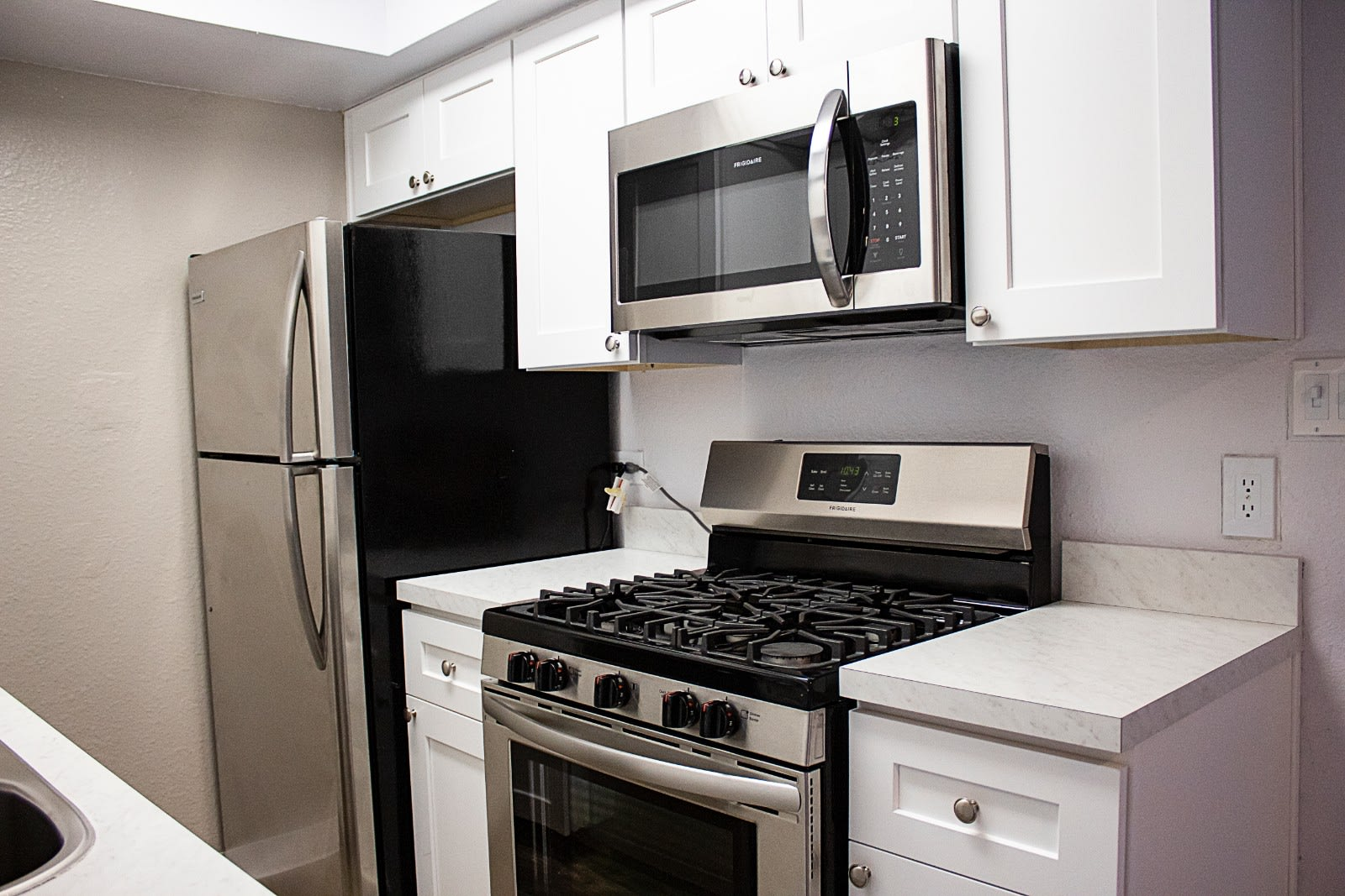 Kitchen at Metro Apartments in Phoenix, AZ