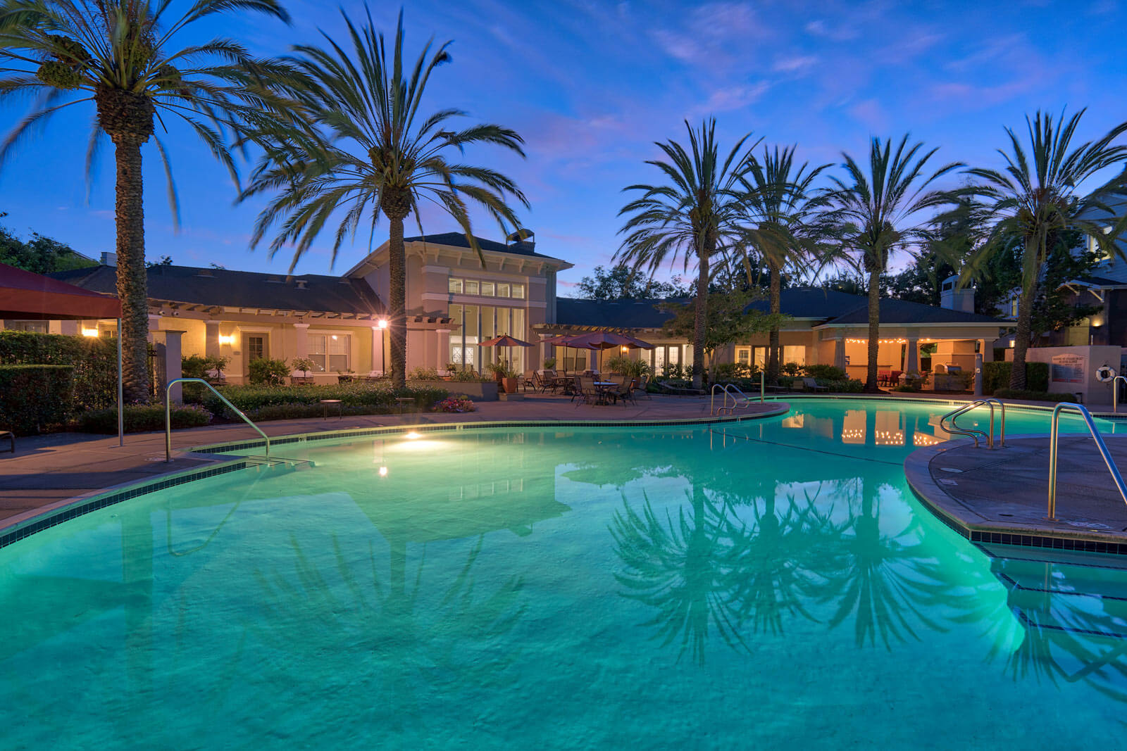 Luxury Apartment Homes Available at The Estates at Park Place, 3400 Stevenson Boulevard, Fremont