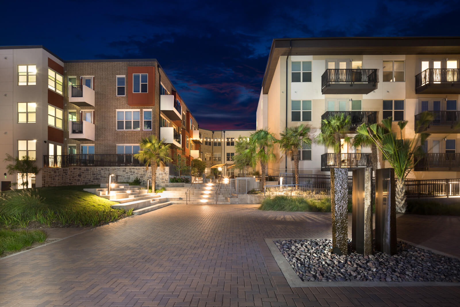 Luxury Apartment Homes Available at Windsor West Lemmon, 3650 Cedarplaza Lane, Dallas