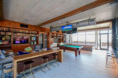 Rooftop Clubroom
