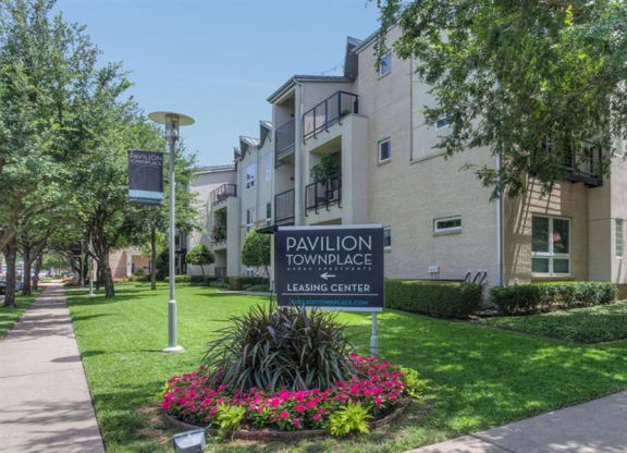 Welcoming Property Signage at Pavilion Townplace, Dallas, Texas