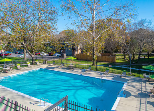 Swimming Pool And Sundeck at Nob Hill Apartments, Nashville, TN