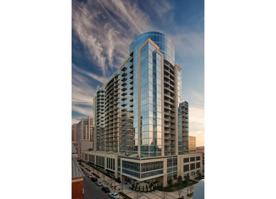 Luxurious High Rise Residence at Glass House by Windsor, 2728 McKinnon Street, Dallas