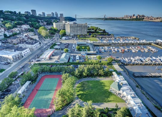 Luxury Apartment Homes Available at Windsor at Mariners, 100 Tower Dr., Edgewater