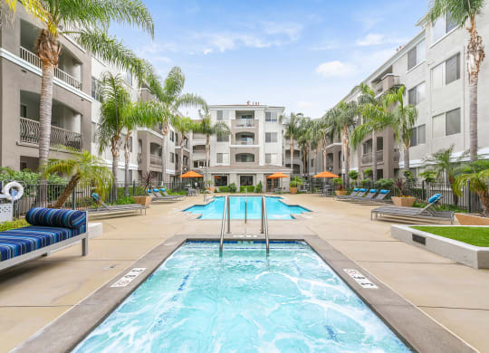 Luxury Apartment Homes Available at Windsor at Main Place, 1235 West Town and Country Road, Orange