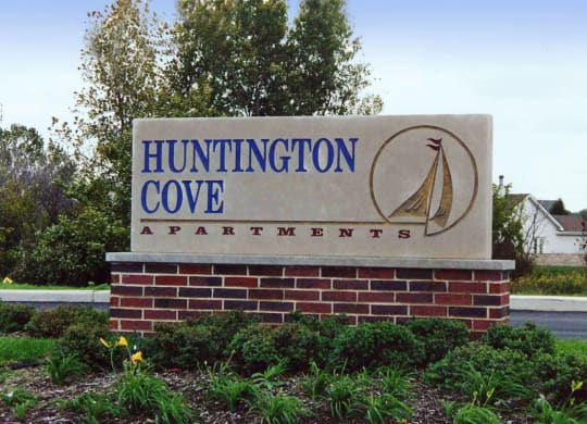 Property Signage at Huntington Cove Apartments, Merrillville, Indiana