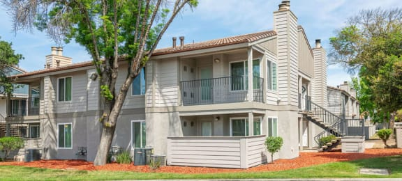 Elegant Exterior View Of Property at River Oaks Apartments & Townhomes, Hanford, 93230