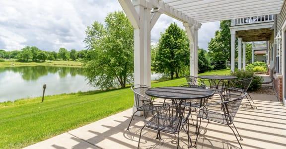 Prairie Oaks II Apartment Homes nice water view
