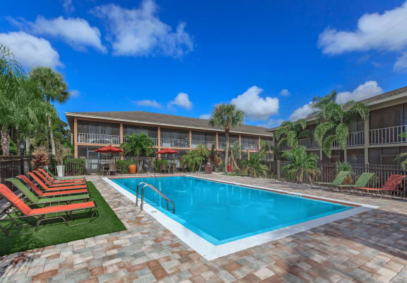 Carlyle court orlando apartments pool