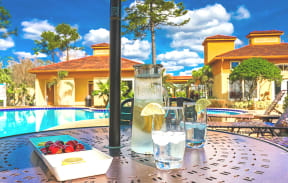 Avisa Lakes Pool patio set
