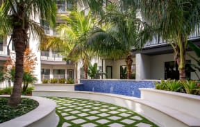 Beautifully maintained grounds  | District at Rosemary