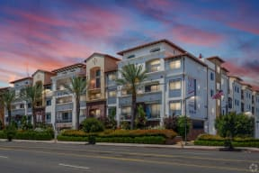 Beautiful Surroundings at Le Blanc Apartment Homes, Canoga Park, CA