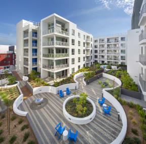 Courtyard pool deck The Q Variel Woodland Hills Luxury apartments