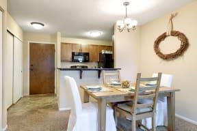 Regency Woods Apartments in Minnetonka, MN