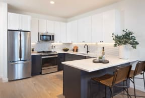 Fitted Kitchen With Island Dining at North+Vine, Chicago, 60610
