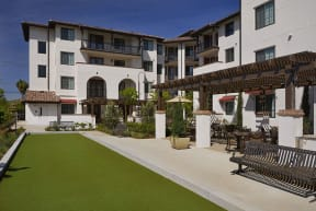 OLIVERA SENIOR APTS | Outdoor Living