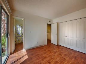 Hardwood Laminate Flooring at Fountain Plaza Apartments, AZ, 85712