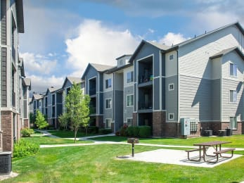 Picnic And Bbq Area at Four Seasons at Southtowne Apartments, South Jordan