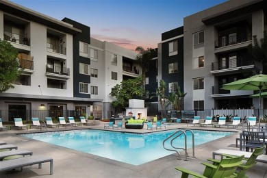 Poolside Sundeck and Grilling Area at Carillon Apartment Homes, Woodland Hills