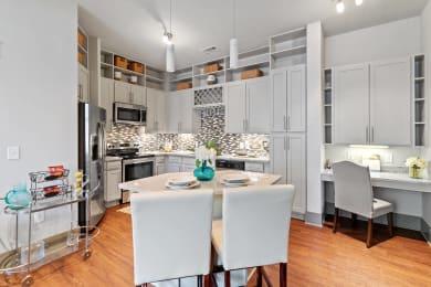 Kitchen cabinets at 1160 Hammond in Sandy Springs, GA