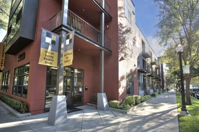 Exterior of Building l Fremont Mews Apartments in Sacramento CA