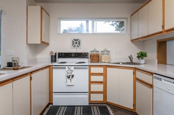 The Montavilla | Dogwood 2x1.5 Kitchen with ample storage