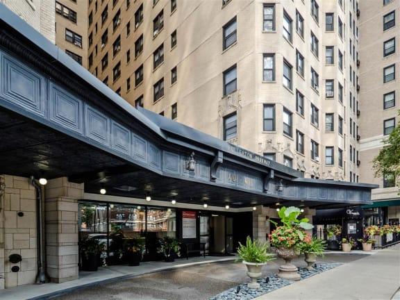 The Patricians Apartments Lincoln Park Chicago Fullerton Avenue