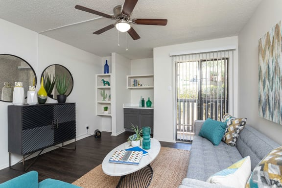 Contemporary Living Room at Sunset Canyon Apartments, CLEAR Property Management,Texas