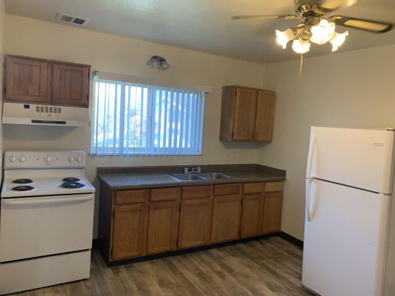 Holladay Hills Apartments Kitchen