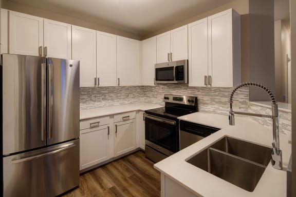 modern cabinets at City View at the Highlands, Lombard, IL, 60148