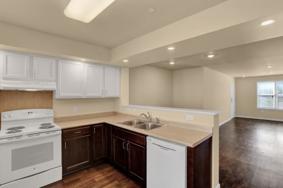 Low Income Apartments | Apartments at Pleasant Pointe | Property Management Inc