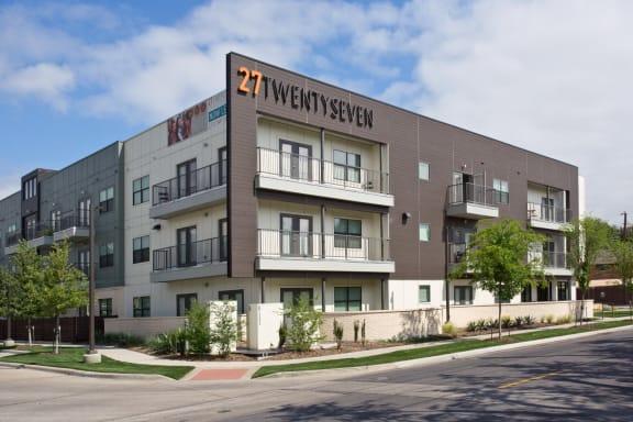 exterior apartments in uptown dallas