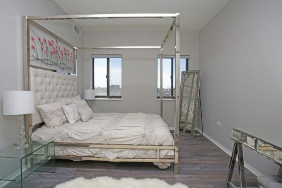 Well Lite Bedroom at Park Heights by the Lake Apartments, Illinois, 60649