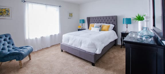 Large Comfortable Bedrooms at The Lodge Apartments, Indiana, 46205