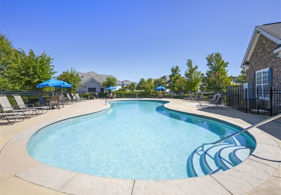 Sparkling Swimming Pool and Lounge at The Reserve at Maryville, Maryville, TN, 37801