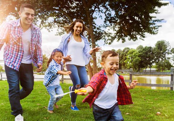 Brighton Oaks_Family Outdoors_Lifestyle_Main