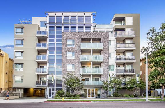 West-Los-Angeles-Apartments-NMS-1759-Beloit-Exterior
