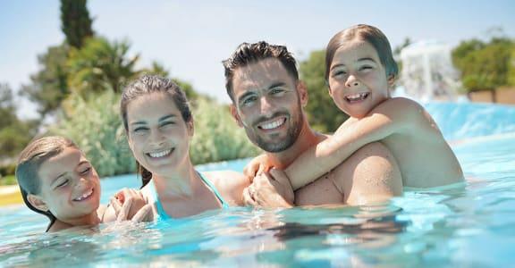 ESPANA EAST | Apartments | Pool