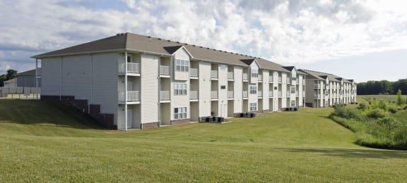 University Parke Suites exterior image of building