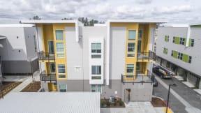 Hub Apartments   Folsom CA  Courtyard