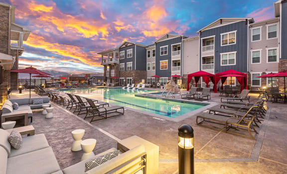 Beautiful Apartments in Colorado with Resort Style Swimming Pool