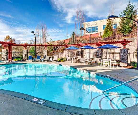 Resort Style Pool at Beaumont Apartments, Washington, 98072