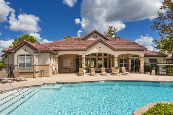 Egret's Landing Apartments resort-style pool