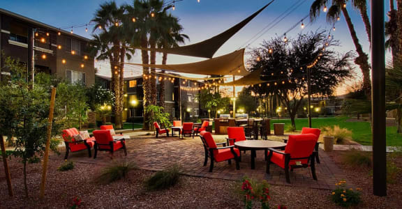 Outdoor Grilling and Dining Area at Stonebridge Ranch, Chandler, AZ 85225