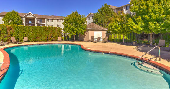 Swimming Pool   Silver Creek Apartment Homes in Pasco, WA